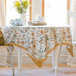 April Cornell Tablecloth Meadow 54x54 NWT